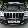 Testirani Grand Cherokee Limited pokretao je (mercedesov) V6 turbodiesel pozamašnog obujma od 3 litre. Riječ je o pogonskom stroju odabranom prvenstveno za tržišta poput europskih. Najveća snaga iznosi solidnih 218 KS pri 3400 o/min, a najveći okretni moment impozantnih 510 Nm između 1600 i 2400 o/min