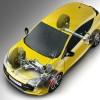 Za zaustavljanje Méganea R.S. u izvedbi s Cup šasijom brinu se moćne kočnice koje potpisuje talijanski Brembo. Prednji ventilirani diskovi s kanalima, dimenzija 340 x 28 mm i puni stražnji (290 x 11 mm) zaustavit će ovaj automobil s brzine od 100 km/h, za 36 m