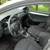 Prostora sprijeda ima sasvim dovoljno neovisno o visini i širini vozača i suvozača, a putnike će u unutrašnjosti automobila dočekati lijepo uređeni i kvalitetno izrađeni interijer