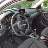 Sportski trokraki obruč upravljača obložen kožom s komandama sustava Audi Sound i svih ostalih info sustava, ojačan je odličnim Servotronicom