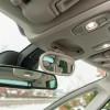 Ako dijete stavite na neko od stražnjih sjedala, malo dodatno ogledalo će biti itekako koristan detalj. Unutrašnji je retrovizor elektrokromatski, tj. automatski se zatamnjuje