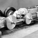 Mercedes-Benz T 80 iz 1939. je bio pokretan zrakoplovnim V12 motorom DB 603 RS obujma od 44,5 litara i najveće snage od 3500 KS