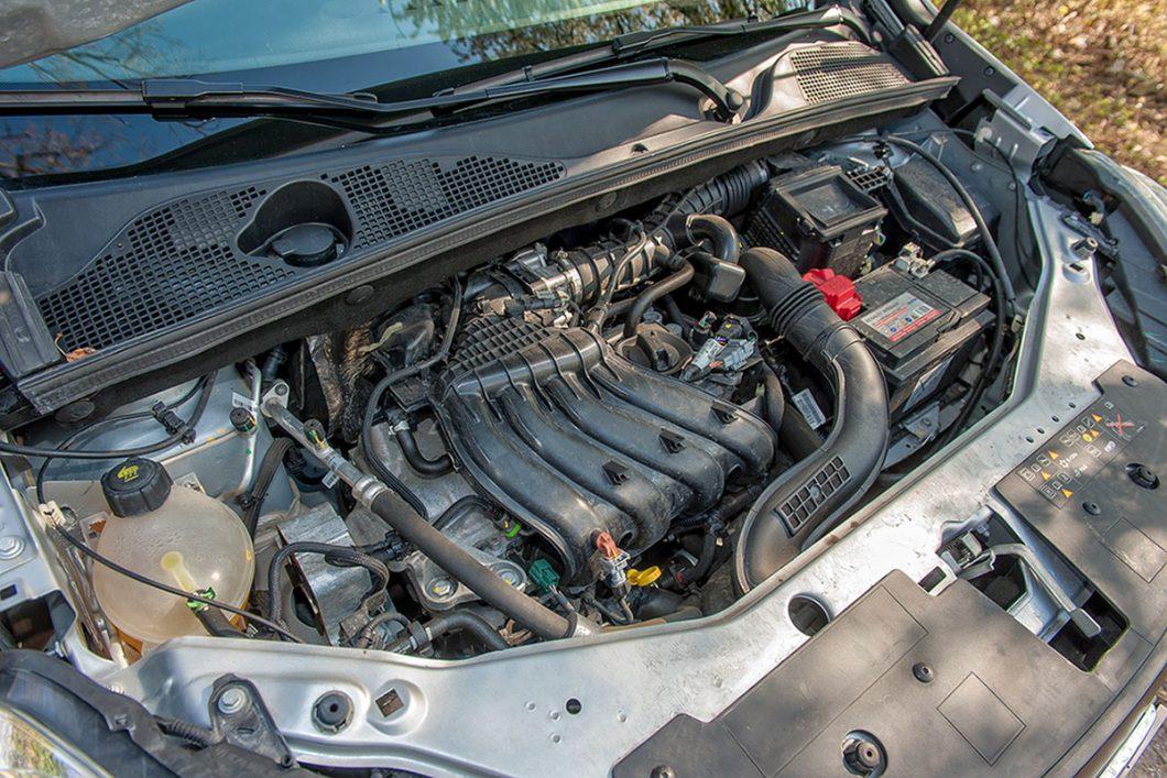 Testirani je Dokker pokretao 4-cilindrični 1,6-litreni atmosferski benzinski motor snage od 75 kW, odnosno 102 KS pri 5500 o/min te najvećeg okretnog momenta od 156 Nm pri 4000 o/min