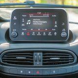 """Fiat se napokon """"oslobodio"""" onih skromnih 5-inčnih Infotainment sustava. Novi zaslon i njegova grafika zaslužuju pohvale"""