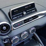 Tek jedan korak od osnovnog, Infotainment sustav testiranog automobila s Bluetooth podrškom za mobilni telefon i streaming glazbe ipak je svojim funkcijama malo (pre)skroman za današnje standarde