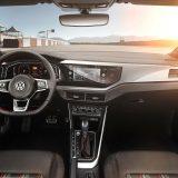 autonet_Volkswagen_Polo_2017-06-16_023