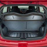 Prtljažnik zaprima, za gradske potrebe sasvim dovoljnih, 252 dm3, dok uz preklopljene naslone stražnjih sjedala obujam raste na 1046 litara