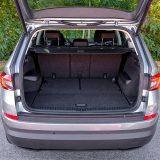 Uz sklopljen treći red sjedala Kodiaq nudi raskošnih 560 dm3 prtljažnog prostora. Ipak, ako prevozite sedam osoba, obujam se smanjuje na 270 dm3. Najveća zapremnina iznosi velikih 2005 litara