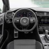 autonet_Volkswagen_Golf_R_2017-08-01_006