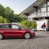 autonet_Volkswagen_Golf_Sportsvan_2017-08-23_005