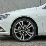 Testirani je automobil bio opremljen aluminijskim naplacima dimenzija 8,5J x 20 te pneumaticima Continental SportContact 6 dimenzija 245/35 R 20