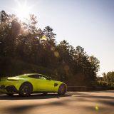autonet_Aston Martin_Vantage_2017-11-22_003
