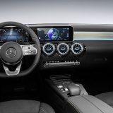 autonet_Mercedes-Benz_A_klasa_2017-11-24_001
