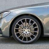 Premda atraktivni, 20-colni kotači s gumama poprečnog presjeka od /20 nekako nam baš i ne odgovaraju na automobilu poput ovoga. Uz to, Mercedes je morao ostaviti kompromis glede udobnosti