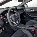 Kvaliteta izrade, izbor materijala i način na koji su kombinirani te dizajn u unutrašnjosti i ovog Mercedesa, premda je riječ o početnom modelu marke, na najvišoj su razini