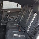 Na stražnjim sjedalima mjesta za koljena ima dovoljno i za odrasle osobe, no ipak ne kao kod nekih drugih automobila iz C segmenta