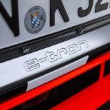 autonet_Audi_E-Tron_SUV_2018-03-07_018