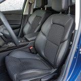 Prednja su sjedala vrlo udobna, a pružaju i zadovoljavajuću razinu potpore tijelu pri vožnji zavojima. Tu su i nasloni za glavu s pojačanom zaštitom
