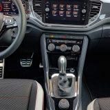 Vozačko i suvozačko okruženje tipično je za Volkswagen, što je pozitivno u svakom smislu