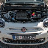 Pod prednjim poklopce skrivao se naš stari znanac, 1,2-litreni 4-cilindrični benzinski motor najveće snage od 69 KS. Ovo je, ujedno, jedini benzinski motor za Fiat 500 (s izuzetkom Abartha) trenutno dostupan kod nas