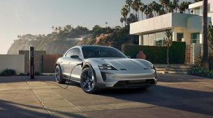 Porsche Mission E Cross Turismo stiže 2021.