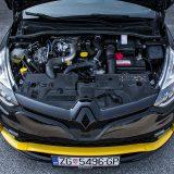 Zahvaljujući većem turbopunjaču, ali i optimiziranom ispuhu i još nekim zahvatima, 1,6-litreni benzinac sada raspolaže s 220 KS i 260 Nm odnosno 280 Nm u overboostu. Zvuči i djeluje moćno
