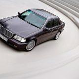 Model C 36 AMG, prvo je vozilo nastalo kao rezultat suradnje s kompanijom Daimler-Benz (1993.)