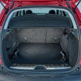 Zapremnina prtljažnika modela 2008 za 65 je litara veća od one 208-ice te iznosi itekako upotrebljivih 350 dm3
