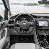 autonet_Volkswagen_Touran_2017-02-10_004