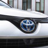 autonet_Toyota_RAV4_Hybrid_2016-02-05_037