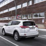 autonet_Toyota_RAV4_Hybrid_2016-02-05_002