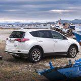 autonet_Toyota_RAV4_Hybrid_2016-02-05_010