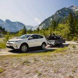 autonet_Toyota_RAV4_Hybrid_2016-02-05_011