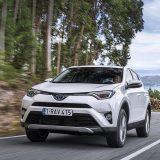autonet_Toyota_RAV4_Hybrid_2016-02-05_021