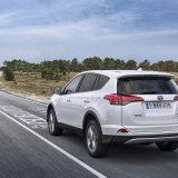 autonet_Toyota_RAV4_Hybrid_2016-02-05_026
