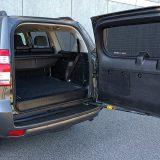 Ovisno o tome je li treći red sjedala u upotrebi ili ne, prtljažnik Land Cruisera nudi 381 ili 621 dm3 obujma