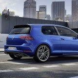 autonet_Volkswagen_Golf_R_2016-12-27_004