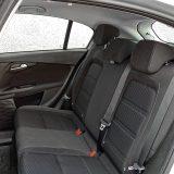 Unutrašnjost pruža dovoljno prostora i višim osobama na stražnjim sjedalima, uz primjernu udobnost podvozja
