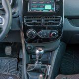 U serijsku opremu paketa Intens spada i multimedijski sustav Media Nav Evolution s dodirnim zaslonom dijagonale od 7 inča s MP3 i Bluetooth podrškom te USB i AUX priključcima i navigacijski sustav Navteq s kartografijom Europe