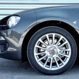 Osnovni paket opreme nudi 16-colne kotače. Nama se 124 Spider ipak više dopada sa 17-colnima, no, što je tu je... Također, 16-colne gume u ponudi su samo jedne - Yokohama Advan Sport V105