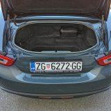 Prtljažnik Fiata 124 Spider ima obujam od 140 dm3 što je dovoljno za odlazak na odmor u dvoje, ukoliko su apetiti nešto skromniji. Ipak, mnogi ovakvim automobilima bez problema odlaze na putovanja