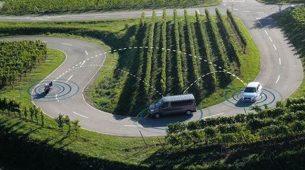 Bosch razvija sustav komunikacije između motocikala i automobila