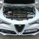 U testiranoj izvedbi snage od 132 kW (180 KS) pri 3750 o/min i najvećeg okretnog momenta od 450 Nm pri 1750 o/min, ovaj je motor izvrsno uparen s 8-stupanjskim automatskim mjenjačem