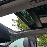 Dodatnu opremu testiranog Hyundaija i30 su predstavljali tek metalik boja i panoramski krovni prozor. Za prvu je stavku potrebno izdvojiti 3.200, a za drugu 7.500 kn prije obračuna PPMV-a