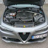 Prvi potpuno aluminijski dizel iz Alfa Romea obujma je od 2143 cm3 te razvija 180 KS pri 3750 i velikih 450 Nm pri 1750 okretaja. Najveća brzina ove Giulije dosegla je 227 km/h, a za ubrzanje od 0 do 100 km/h nam je trebalo kratkih 7,3 sekunde