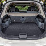 Prtljažnik dolazi s električno otvorivim poklopcem, a zapremina mu iznosi 550 dm3. Preklapanjem naslona stražnjih sjedala ista raste na 1982 dm3, a dodatnoj praktičnosti će pripomoći i dvodjelna dvostruka podnica koja omogućuje nekoliko postavki prtljažnika