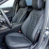 Izuzetno udobna i vrlo povoljno profilirana prednja sjedala s dovoljno niskim položajem sjedenja te dobrom bočnom potporom također su jedna od konstanti u interijeru svih novijih Mercedesa