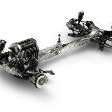 """Klasika: mazdin uzdužni nosivi element predstavlja jednu od tajni čvrste konstrukcije malenog roadstera. Velik uspjeh je bio i """"ugurati"""" višedjelnu osovinu u stražnji dio Miate"""