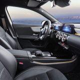 autonet_Mercedes-Benz_A_klasa_2018-02-02_041