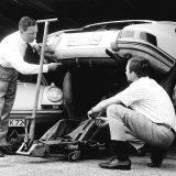 Ferry Porsche i njegov sin Ferdinand Alexander pokraj modela 911